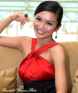 Beautiful Singaporean Women