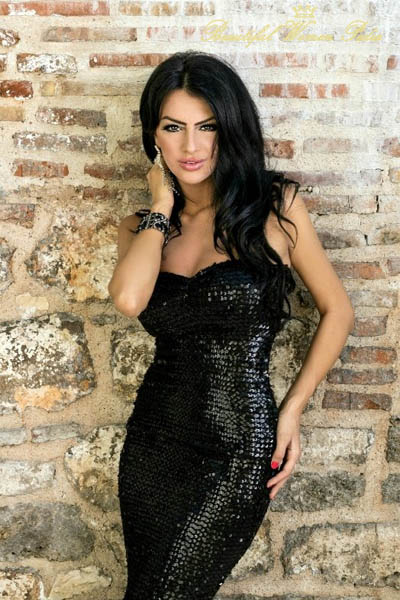http://www.beautifulwomenpedia.com/images/ema-golijanin-beauty-from-bosnia.jpg